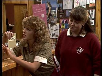 Charlene Mitchell, Nikki Dennison in Neighbours Episode 0284