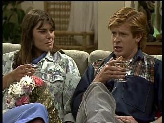 Zoe Davis, Clive Gibbons in Neighbours Episode 0284