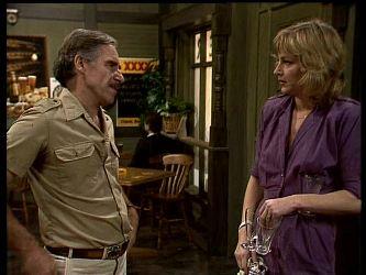 Jack Lassiter, Andrea Townsend in Neighbours Episode 0284