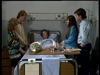 Charlene Mitchell, Scott Robinson, Mrs. York, Nikki Dennison, Mike Young in Neighbours Episode 0284