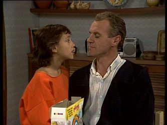 Lucy Robinson, Jim Robinson in Neighbours Episode 0285