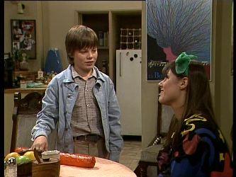 Bradley Townsend, Zoe Davis in Neighbours Episode 0285