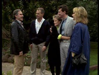 Jack Lassiter, Jim Robinson, Daphne Lawrence, Des Clarke, Andrea Townsend in Neighbours Episode 0285