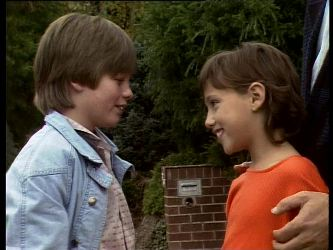 Bradley Townsend, Lucy Robinson in Neighbours Episode 0285