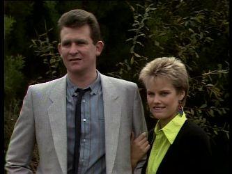 Des Clarke, Daphne Lawrence in Neighbours Episode 0285