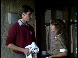 Mike Young, Charlene Mitchell in Neighbours Episode 0286