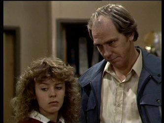 Charlene Mitchell, Fred Mitchell in Neighbours Episode 0286