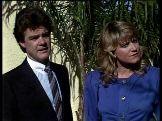 Paul Robinson, Debra Fleming in Neighbours Episode 0286