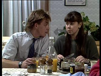 Scott Robinson, Nikki Dennison in Neighbours Episode 0287