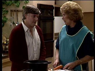 Tom Ramsay, Madge Bishop in Neighbours Episode 0288