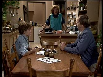 Charlene Mitchell, Madge Bishop, Fred Mitchell in Neighbours Episode 0288