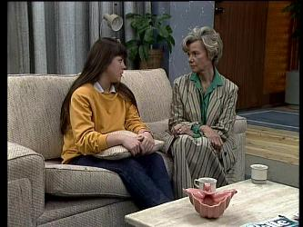 Nikki Dennison, Helen Daniels in Neighbours Episode 0288