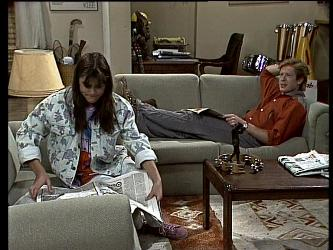 Zoe Davis, Clive Gibbons in Neighbours Episode 0288