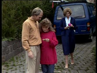 Fred Mitchell, Charlene Mitchell, Madge Bishop in Neighbours Episode 0289