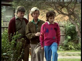 Tom Ramsay, Helen Daniels, Lucy Robinson in Neighbours Episode 0289