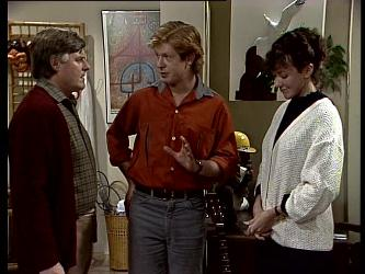 Tom Ramsay, Clive Gibbons, Jean Richards in Neighbours Episode 0289
