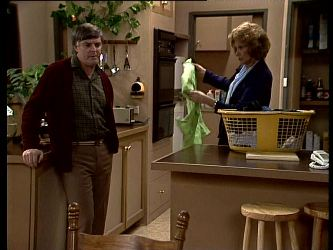 Tom Ramsay, Madge Bishop in Neighbours Episode 0289