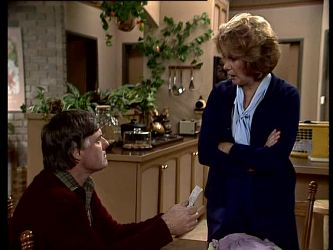 Tom Ramsay, Madge Mitchell in Neighbours Episode 0290