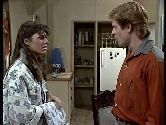 Zoe Davis, Clive Gibbons in Neighbours Episode 0290