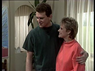 Des Clarke, Daphne Lawrence in Neighbours Episode 0290
