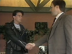 Matt Robinson, Barry Dwyer in Neighbours Episode 1135