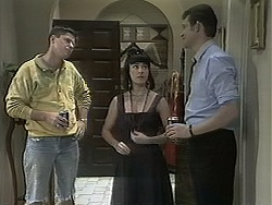 Joe Mangel, Kerry Bishop, Des Clarke in Neighbours Episode 1136