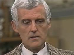 Kenneth Muir in Neighbours Episode 1148
