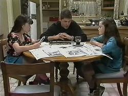 Natasha Kovac, Joe Mangel, Lochy McLachlan in Neighbours Episode 1149