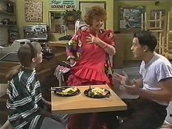 Lee Maloney, Gloria Lewis, Matt Robinson in Neighbours Episode 1149