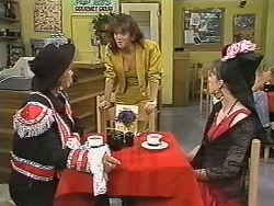 Gloria Lewis, Caroline Alessi, Lee Maloney in Neighbours Episode 1149