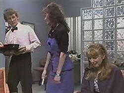 Kelvin Stubbs, Caroline Alessi, Melanie Pearson in Neighbours Episode 1150