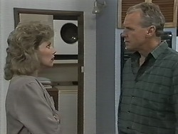 Beverly Robinson, Jim Robinson in Neighbours Episode 1152