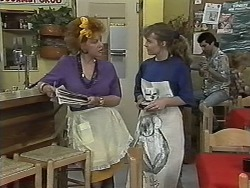 Gloria Lewis, Lee Maloney in Neighbours Episode 1152