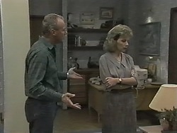 Jim Robinson, Beverly Marshall in Neighbours Episode 1152