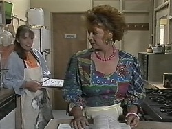 Lee Maloney, Gloria Lewis in Neighbours Episode 1153