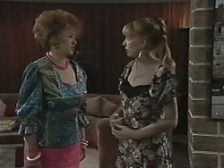 Gloria Lewis, Melanie Pearson in Neighbours Episode 1153