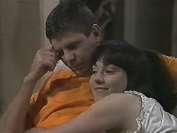 Joe Mangel, Kerry Bishop in Neighbours Episode 1154
