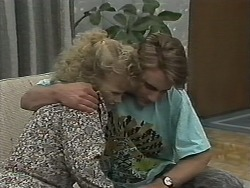 Sharon Davies, Nick Page in Neighbours Episode 1154