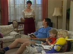 Kerry Bishop, Joe Mangel, Jamie Clarke, Sky Mangel in Neighbours Episode 1156