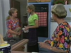 Sharon Davies, Beverly Marshall, Helen Daniels in Neighbours Episode 1157