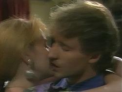 Melanie Pearson, Kelvin Stubbs in Neighbours Episode 1158