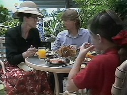 Dorothy Burke, Ryan McLachlan, Lochy McLachlan in Neighbours Episode 1160