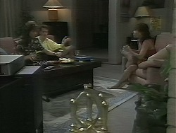 Caroline Alessi, Paul Robinson, Christina Alessi in Neighbours Episode 1162