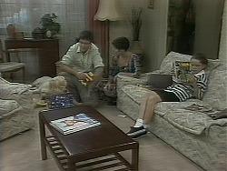 Sky Mangel, Joe Mangel, Kerry Bishop, Lochy McLachlan in Neighbours Episode 1162