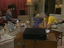 Kerry Bishop, Bouncer, Sky Mangel, Joe Mangel in Neighbours Episode 1163