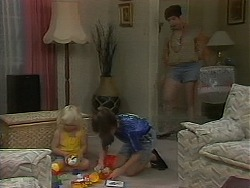 Sky Mangel, Lochy McLachlan, Kerry Bishop in Neighbours Episode 1163