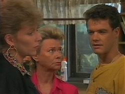 Beverly Marshall, Helen Daniels, Paul Robinson in Neighbours Episode 1164