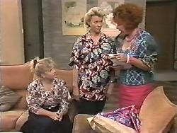 Sharon Davies, Helen Daniels, Gloria Lewis in Neighbours Episode 1165
