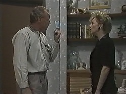 Jim Robinson, Beverly Marshall in Neighbours Episode 1167