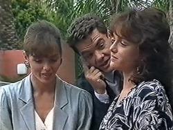 Caroline Alessi, Paul Robinson, Christina Alessi in Neighbours Episode 1168